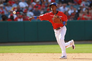 ANAHEIM, CA - JULY 11:  U.S. Futures All-Star Dee Gordon #5 of the Los Angeles Dodgers throws the ball during the 2010 XM All-Star Futures Game at Angel Stadium of Anaheim on July 11, 2010 in Anaheim, California.  (Photo by Jeff Gross/Getty Images)