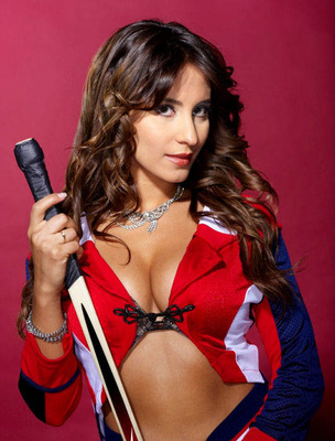 50nhl-ice-girl-cleavage-52_display_image