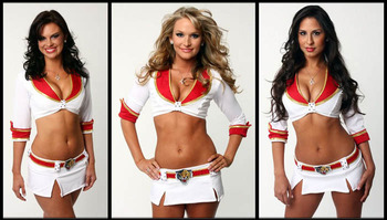 45nhl-ice-girl-cleavage-85_display_image