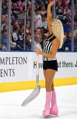 7ice-girls-of-the-nhl_1_display_image