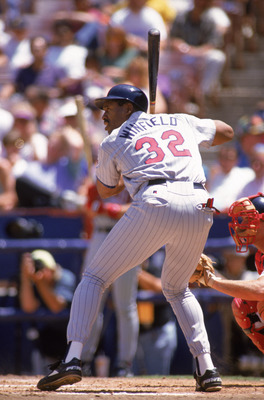 ANAHEIM, CA - MAY 12:  Dave Winfield #32 of the Minnesota Twins bats against the California Angels during a game at Anaheim Stadium on May 12, 1993 in Anaheim, California.  (Photo by Stephen Dunn/Getty Images)