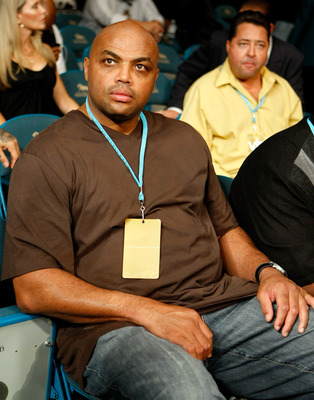 LAS VEGAS - SEPTEMBER 19:  NBA analyst and former NBA player Charles Barkley watches an undercard fight at the Floyd Mayweather Jr. and Juan Manuel Marquez bout at the MGM Grand Garden Arena September 19, 2009 in Las Vegas, Nevada.  (Photo by Ethan Miller