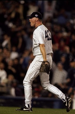 18 Oct 1998:  Pitcher Jeff Nelson #43 of the New York Yankees in action during the 1998 World Series Game 2 against the San Diego Padres at the Yankee Stadium in the Bronx, New York. The Yankees defeated the Padres 9-3. Mandatory Credit: Al Bello  /Allspo