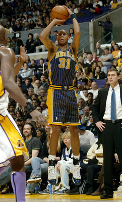 LOS ANGELES - MARCH 6:  Reggie Miller #31 of the Indiana Pacers takes a jump shot against the Los Angeles Lakers on March 6, 2005 at Staples Center in Los Angeles, California. The Lakers defeated the Pacers 103-94.  NOTE TO USER: User expressly acknowledg