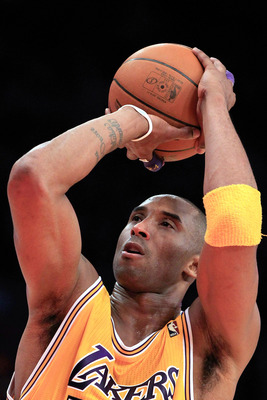 NEW YORK, NY - FEBRUARY 11: Kobe Bryant #24 of the Los Angeles Lakers shoots a free throw against the New York Knicks at Madison Square Garden on February 11, 2011 in New York City. NOTE TO USER: User expressly acknowledges and agrees that, by downloading