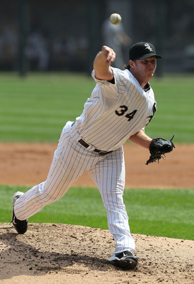 CHICAGO - AUGUST 29: Starting pitcher Gavin Floyd #34 of the Chicago White Sox delivers the ball against the New York Yankees at U.S. Cellular Field on August 29, 2010 in Chicago, Illinois. (Photo by Jonathan Daniel/Getty Images)