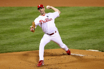 PHILADELPHIA - NOVEMBER 02:  Starting pitcher Cliff Lee #34 of the Philadelphia Phillies throws a pitch against the New York Yankees in Game Five of the 2009 MLB World Series at Citizens Bank Park on November 2, 2009 in Philadelphia, Pennsylvania.  (Photo