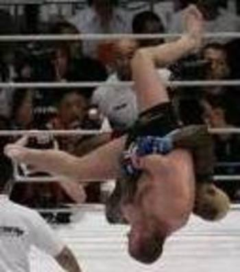 Kevin Randleman delivering a monster plex on Fedor