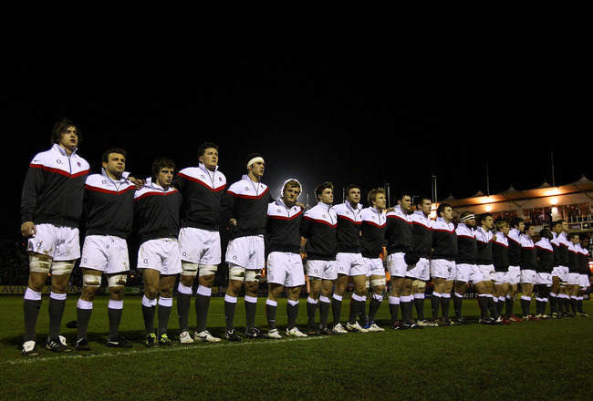 BATH, ENGLAND - FEBRUARY 11:  The England team lines up before the Under 20 international match between England U20 and Italy U20 at Recreation Ground on February 11, 2011 in Bath, England.  (Photo by Stu Forster/Getty Images)