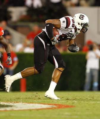 ATHENS, GA - SEPTEMBER 12:  Weslye Saunders #88 of the South Carolina Gamecocks against the Georgia Bulldogs at Sanford Stadium on September 12, 2009 in Athens, Georgia.  (Photo by Kevin C. Cox/Getty Images)