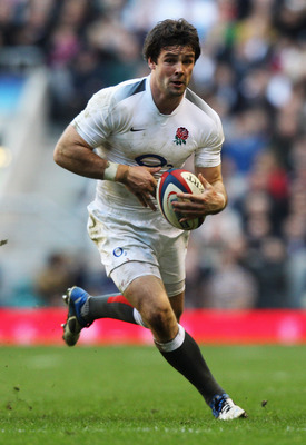 LONDON, ENGLAND - FEBRUARY 12:  Ben Foden of England runs with the ball during the RBS 6 Nations Championship match between England and Italy at Twickenham Stadium on February 12, 2011 in London, England.  (Photo by David Rogers/Getty Images)