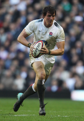 LONDON, ENGLAND - FEBRUARY 12:  Tom Wood of England in action during the RBS 6 Nations Championship match between England and Italy at Twickenham Stadium on February 12, 2011 in London, England.  (Photo by David Rogers/Getty Images)