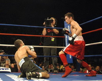 Vic-darchinyan-donaire1_display_image