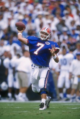 28 Sep 1996: Quarterback Danny Weurffel #7 of the Florida Gators looks down field at an open receiver as he sets his feet to throw a pass during a play in the Gators 65-0 victory over the Kentucky Wildcats at Florida Field in Gainesville, Florida. Mandato
