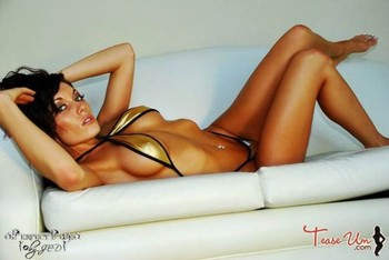 Mma-ring-girl-tamara-marie-5_display_image
