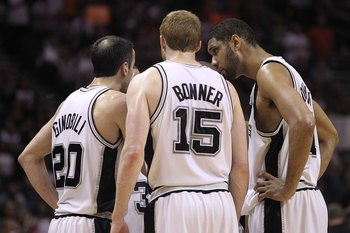 SAN ANTONIO - MAY 09:  Tim Duncan #21 and the San Antonio Spurs huddle in Game Four of the Western Conference Semifinals during the 2010 NBA Playoffs at AT&T Center on May 9, 2010 in San Antonio, Texas. NOTE TO USER: User expressly acknowledges and agrees