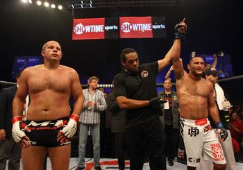 Dan_henderson_vs_fedoremelianenko_1000251_display_image