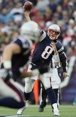 FOXBORO, MA - JANUARY 02:  Brian Hoyer #8 of the New England Patriots passes the ball in the third quarter against the Miami Dolphins on January 2, 2011 at Gillette Stadium in Foxboro, Massachusetts.  (Photo by Elsa/Getty Images)