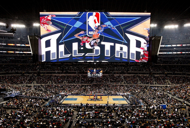 ARLINGTON, TX - FEBRUARY 14:  Dwight Howard #12 of the Eastern Conference tips off against Tim Duncan #21 of the Western Conference during the first quarter of the NBA All-Star Game, part of 2010 NBA All-Star Weekend at Cowboys Stadium on February 14, 201