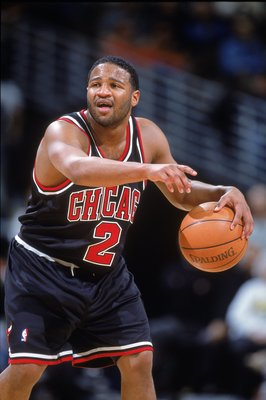 16 Nov 2000:  Khalid El-Amin #2 of the Chicago Bulls dribbles the ball on the court during the game against the Denver Nuggets  at the Pepsi Center in Denver, Colorado.  The Nuggets defeated the Bulls 89-85.   NOTE TO USER: It is expressly understood that