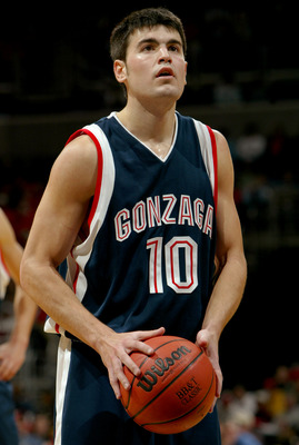 WASHINGTON - DECEMBER 6:  Blake Stepp #10 of the Gonzaga Bulldogs shoots a free throw during the game against the Maryland Terrapins in the BB&T Classic at the MCI Center on December 6, 2003 in Washington, DC.  Gonzaga defeated Maryland 82-68. (Photo by D