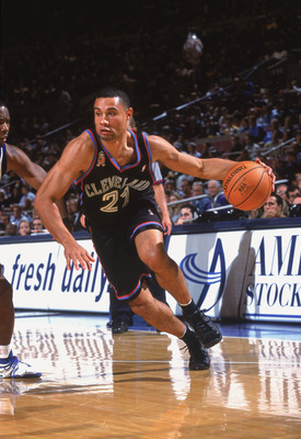 7 Nov 2001:  Guard Trajan Langdon #21 of the Cleveland Cavaliers drives to the basket during the NBA game against the New York Knicks at Madison Square Garden in New York City, New York.  The Knicks defeated the Cavaliers 82-64.  NOTE TO USER: User expres