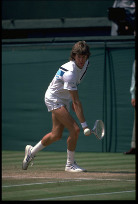 JUN 1985: KEVIN CURREN OF THE UNITED STATES IN ACTION DURING THE MENS SINGLES AT WIMBLEDON.