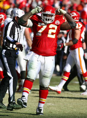 KANSAS CITY, MO - JANUARY 02:  Defensive tackle Glenn Dorsey #72 of the Kansas City Chiefs celebrates after a sack in a game against the Oakland Raiders at Arrowhead Stadium on January 2, 2011 in Kansas City, Missouri.  (Photo by Tim Umphrey/Getty Images)