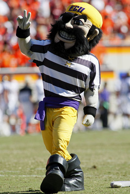 BLACKSBURG, VA - SEPTEMBER 18: The East Carolina Pirates mascot performs against the Virginia Tech Hokies at Lane Stadium on September 18, 2010 in Blacksburg, Virginia.  (Photo by Geoff Burke/Getty Images)