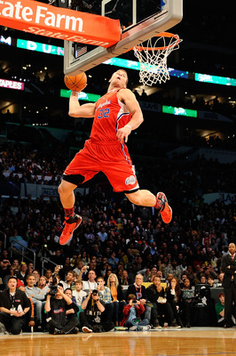 LOS ANGELES, CA - FEBRUARY 19:  Blake Griffin #32 of the Los Angeles Clippers goes up for a dunk in the first round in the Sprite Slam Dunk Contest apart of NBA All-Star Saturday Night at Staples Center on February 19, 2011 in Los Angeles, California. NOT
