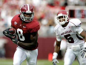 Former Alabama WR Julio Jones makes a catch against Arkansas in 2009.