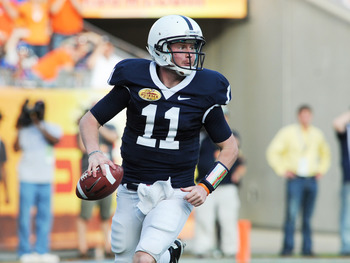 TAMPA, FL - JANUARY 1:  Quarterback Matt McGloin #11 of the Penn State Nittany Lions passes against the Florida Gators January 1, 2010 in the 25th Outback Bowl at Raymond James Stadium in Tampa, Florida.  (Photo by Al Messerschmidt/Getty Images)