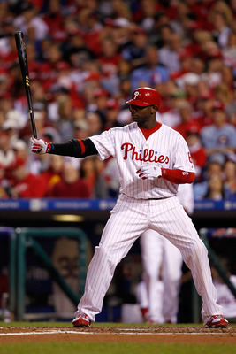PHILADELPHIA - OCTOBER 17:  Ryan Howard #6 of the Philadelphia Phillies at bat against the San Francisco Giants in Game Two of the NLCS during the 2010 MLB Playoffs at Citizens Bank Park on October 17, 2010 in Philadelphia, Pennsylvania.  (Photo by Jeff Z