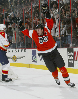 PHILADELPHIA - OCTOBER 27:  Keith Primeau #55 of the Philadelphia Flyers celebrates a goal by teammate Peter Forsberg #21, tying the game against the Florida Panthers at 19:10 of the third period on October 27, 2005 at the Wachovia Center in Philadelphia,