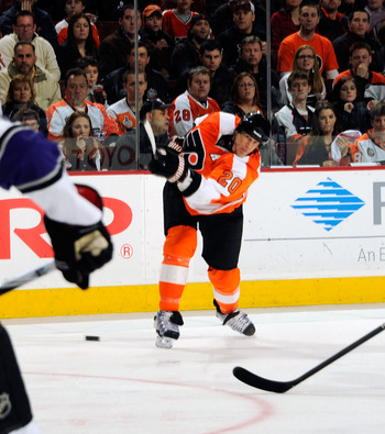 PHILADELPHIA - FEBRUARY 13:  Chris Pronger #20 of the Philadelphia Flyers in action during a game against the Los Angeles Kings on February 13, 2011 at the Wells Fargo Center in Philadelphia, Pennsylvania.  (Photo by Lou Capozzola/Getty Images)