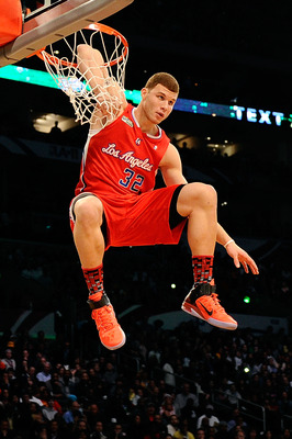 LOS ANGELES, CA - FEBRUARY 19:  Blake Griffin #32 of the Los Angeles Clippers dunks the ball as his elbow hangs on the rim in the Sprite Slam Dunk Contest apart of NBA All-Star Saturday Night at Staples Center on February 19, 2011 in Los Angeles, Californ
