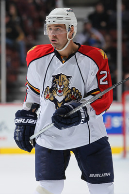 ANAHEIM, CA - DECEMBER 01:  Chris Higgins #21 of the Florida Panthers looks on against the Anaheim Ducks at the Honda Center on December 1, 2010 in Anaheim, California.  (Photo by Jeff Gross/Getty Images)