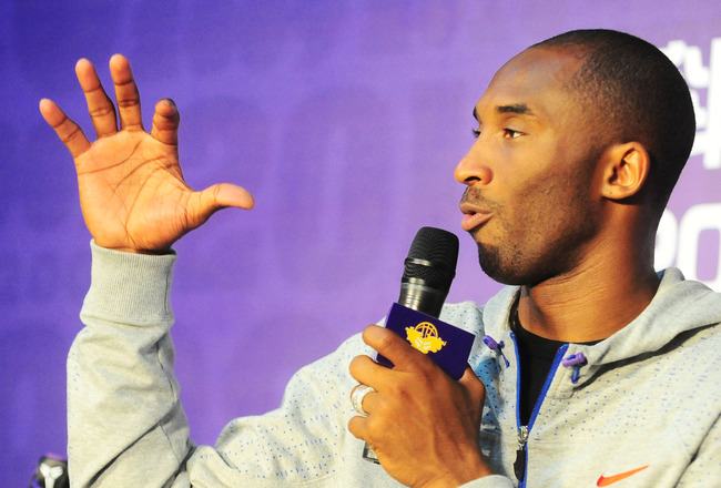 GUANGZHOU, CHINA - JULY 29:  (CHINA OUT) NBA player Kobe Bryant of the Los Angeles Lakers speaks during a meet and greet with fans at Jinan University on July 29, 2010 in Guangzhou, Guangdong Province of China.  (Photo by ChinaFotoPress/Getty Images)