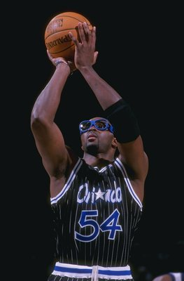 15 Nov 1997:  Forward Horace Grant of the Orlando Magic prepares to shoot the ball during a game against the Washington Wizards at the USAir Arena in Landover, Maryland.  The Magic won the game 102-91. Mandatory Credit: Doug Pensinger  /Allsport