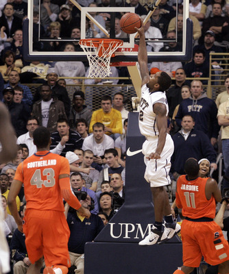 PITTSBURGH, PA - JANUARY 17:  Brad Wanamaker #22 of the Pittsburgh Panthers slam dunks against the Syracuse Orange at Petersen Events Center on January 17, 2011 in Pittsburgh, Pennsylvania.  (Photo by Justin K. Aller/Getty Images)