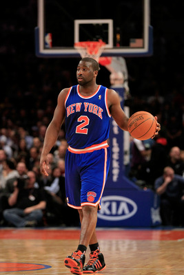 NEW YORK, NY - FEBRUARY 16:  Raymond Felton #2 of the New York Knicks dribbles the ball against the Atlanta Hawks at Madison Square Garden on February 16, 2011 in New York City. NOTE TO USER: User expressly acknowledges and agrees that, by downloading and
