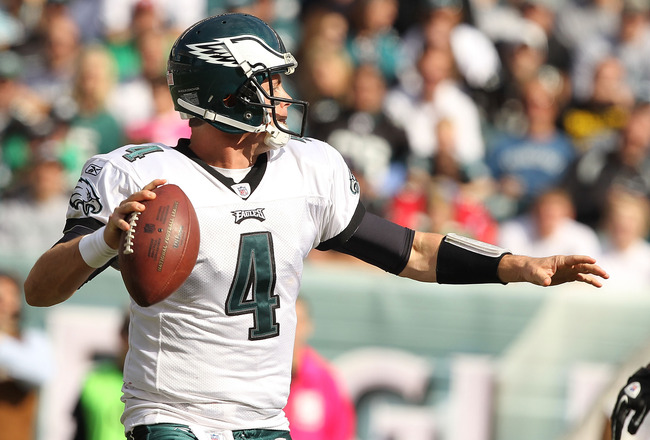 PHILADELPHIA - OCTOBER 17:  Kevin Kolb #4 of the Philadelphia Eagles passes against the Atlanta Falcons during their game at Lincoln Financial Field on October 17, 2010 in Philadelphia, Pennsylvania.  (Photo by Al Bello/Getty Images)