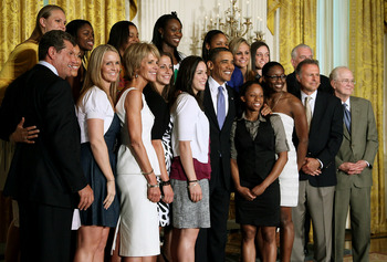 WASHINGTON - MAY 17:  U.S. President Barack Obama (C) poses for a picture with the NCAA champion University of Connecticut women�s basketball team during a ceremony in the East Room at the White House on May 17, 2010 in Washington, DC. The Huskies were in