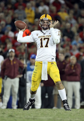 TUCSON, AZ - DECEMBER 02:  Quarterback Brock Osweiler #17 of the Arizona State Sun Devils throws a pass during the college football game at Arizona Stadium on December 2, 2010 in Tucson, Arizona. The Sun Devils defeated the Wildcats 30-29 in double overti