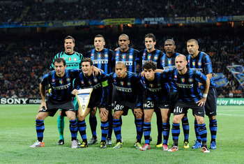 MILAN, ITALY - OCTOBER 20:  Inter Milan football players pose before their the UEFA Champions League group A match between      FC Internazionale Milano and Tottenham Hotspur at Stadio Giuseppe Meazza on October 20, 2010 in Milan, Italy.  (Photo by Claudi