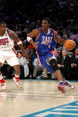 NEW ORLEANS - FEBRUARY 17:  Chris Bosh #4 of the Eastern Conference drives to the basket past Amare Stoudemire #1 of the Western Conference during the 57th NBA All-Star Game, part of 2008 NBA All-Star Weekend at the New Orleans Arena on February 17, 2008