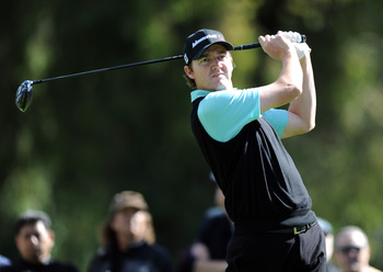 PACIFIC PALISADES, CA - FEBRUARY 20:  Jimmy Walker hits a tee shot on the second hole during the fourth round of the Northern Trust Open at the Riviera Country Club on February 20, 2011 in Pacific Palisades, California.  (Photo by Harry How/Getty Images)