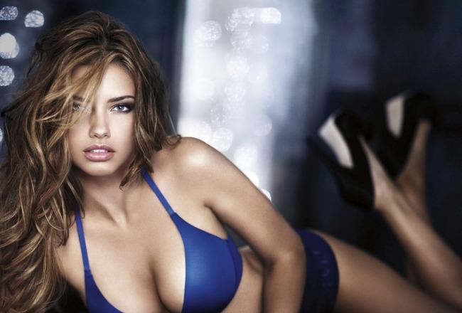 Lindsay Lohan in a three way sex tape? New York, Oct 29 : Lindsay Lohan''s ...