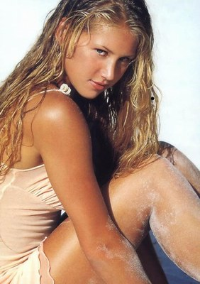 Anna-kournikova-photos-4c940cb1b132b_display_image