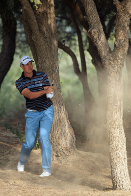 DUBAI, UNITED ARAB EMIRATES - FEBRUARY 10:  Henrik Stenson of Sweden in action during the first round of the Omega Dubai Desert Classic on the Majlis course at the Emirates Golf Club on February 10, 2011 in Dubai, United Arab Emirates.  (Photo by Andrew R